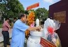 Phó Thủ tướng thường trực thắp hương tại Khu di tích lịch sử cách mạng tỉnh Long An