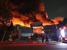 Cháy nhà kho tại KCN Sóng Thần 1 trong đêm