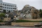 Tìm thấy thêm nhiều thi thể nạn nhân vụ sập tòa nhà chung cư ở Mỹ