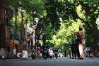 Đường phố đông đúc khi Hà Nội nới lỏng giãn cách