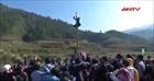 Đặc sắc lễ hội đạp núi của người Mông