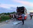 Xe chở du khách đi biển Cửa Lò gặp nạn, 1 người chết