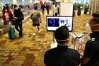 Singapore xét nghiệm nhanh COVID tại lễ cưới, hội nghị