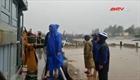 Công an hỗ trợ dân tránh trú bão an toàn