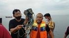Indonesia tìm thấy các mảnh vỡ của máy bay bị mất liên lạc