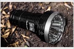 Án mạng từ chiếc đèn pin