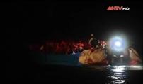 Giải cứu gần 400 người nhập cư trái phép trên biển