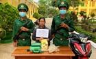 Bắt người phụ nữ vận chuyển 1kg ma túy