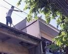 Khống chế đối tượng ngáo đá cố thủ trên nóc nhà hơn 5 giờ
