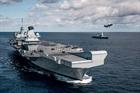 Nữ hoàng Anh thăm tàu sân bay HMS Queen Elizabeth