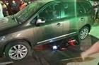 Ô tô đâm hàng loạt xe máy dừng chờ đèn đỏ