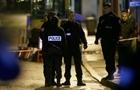 Đồn cảnh sát ở ngoại ô Paris bị tấn công