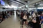 Hành khách tại sân bay Nội Bài dịp cao điểm 30/4 đạt mức kỷ lục
