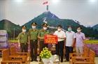 Công an Hà Giang, Yên Bái ủng hộ công tác phòng, chống dịch