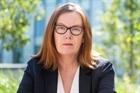 Sarah Gilbert - Nhà khoa học với trái tim nhân hậu