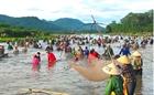 Nô nức lễ hội đánh cá Đồng Hoa