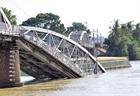 Đình chỉ nhiều lãnh đạo cảng vụ sau 3 sự cố sập cầu