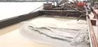 Xử lý 2 tàu khai thác cát trái phép trên sông Kinh Thầy