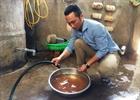 Nhiều hộ dân xã Bình Trị phải sử dụng nước bẩn