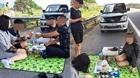 Xác định danh tính người đàn ông mở tiệc ở cao tốc Nội Bài - Lào Cai