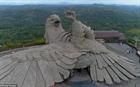 Ý nghĩa của tác phẩm điêu khắc chim lớn nhất thế giới ở Ấn Độ