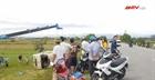 Nghệ An: Xe chở công nhân lật xuống ruộng