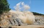 Ẩn họa từ nổ mìn khai thác đá