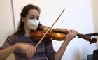 Hòa nhạc tại nhà, chạy ảo do trong mùa dịch