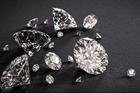 Vụ đánh tráo kim cương trị giá 5,7 triệu USD bằng đá cuội