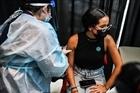 Mỹ: 7 bang tiêm chủng ít chiếm tới nửa số ca mắc COVID-19 mới