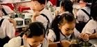 Nỗi sợ giòi bò vào khay ăn của học sinh