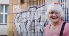 Cụ bà chống phân biệt chủng tộc bằng tranh vẽ tường Grafiti
