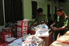 Bắt giữ nhiều loại bánh trung thu nhập lậu
