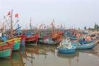 Ngư dân Khánh Hòa lao đao vì tàu cá nằm bờ