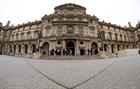 Bảo tàng Louvre mở cửa trở lại sau làn sóng đình công