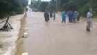 Mưa lũ gây ngập lụt, nhiều nơi bị chia cắt