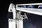 Tàu Crew Dragon kết nối trạm ISS thành công