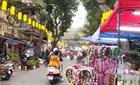 Chợ hoa ảm đạm, bến xe hiu hắt