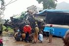 Liên tiếp 2 vụ tai nạn xe khách kinh hoàng