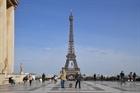 Du khách quay trở lại thủ đô Paris