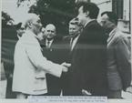Chủ tịch Hồ Chí Minh tiếp Đoàn đại biểu các nhà văn, nhà báo Liên Xô sang thăm và làm việc tại Việt Nam, ngày 17/12/1964.