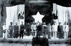 Chính phủ Liên hiệp kháng chiến làm lễ ra mắt và tuyên thệ trước Quốc hội tại Nhà hát Lớn Hà Nội, ngày 2/3/1946.