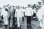Chủ tịch Hồ Chí Minh và các vị lãnh đạo Quốc hội, Chính phủ đón Nguyên soái Vôrôsilôp, Chủ tịch đoàn Xô viết tối cao Liên Xô sang thăm Việt Nam, ngày 20/5/1957.