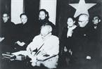Chủ tịch Hồ Chí Minh ký Sắc lệnh công bố Hiến pháp mới, sáng 1/1/1960 .